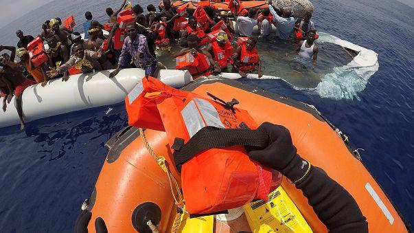 Сотни мигрантов спасены в Средиземном море