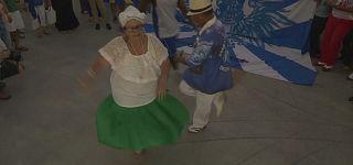 Rios Sambaschulen protestieren gegen Bürgermeister