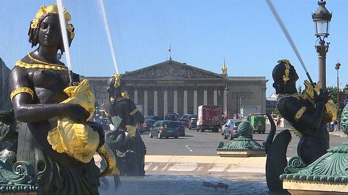 الفرنسيون يختارون نوابهم في الجمعية الوطنية في جولة انتخابية ثانية