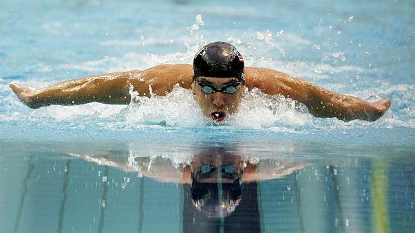سباق استثنائي بين السباح الأميركي مايكل فيلبس والقرش الأبيض