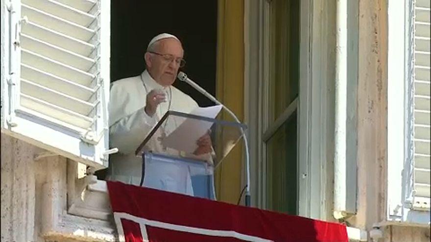A menekültek érdekében szólt a pápa