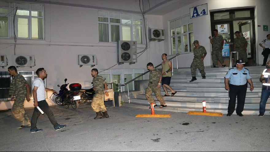 Manisa'da yüzlerce asker zehirlendi