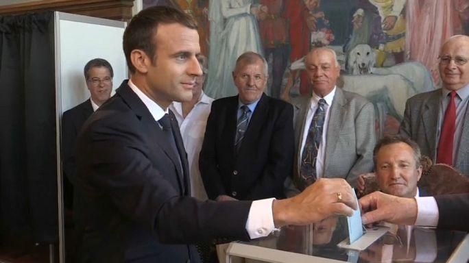 Francia: El partido de Emmanuel Macron obtendría la mayoría absoluta