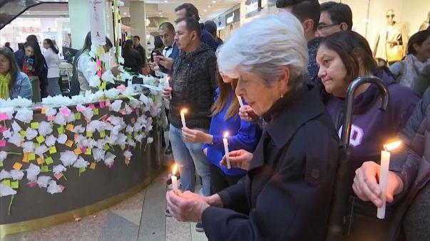 Colombia recuerda a las víctimas del atentado en un centro comercial