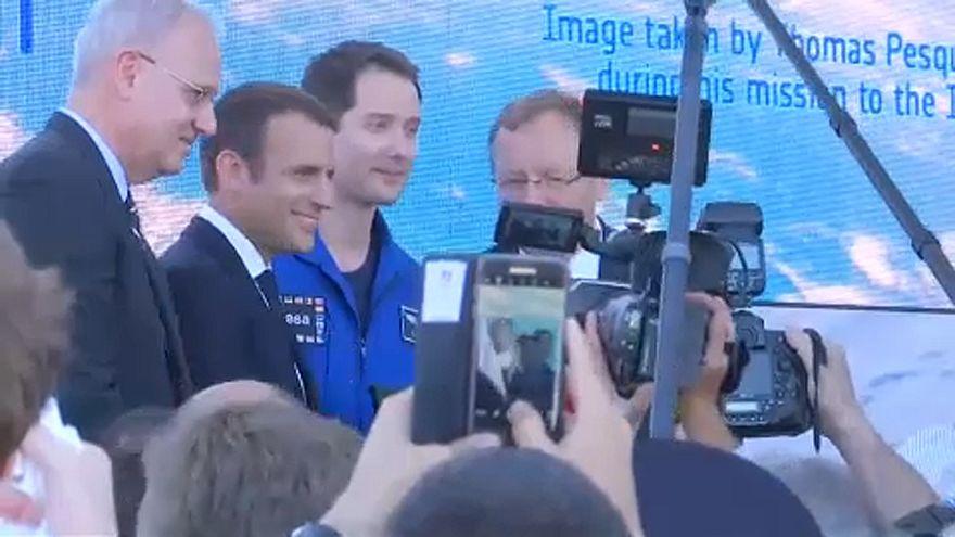 Macron et Pesquet au salon du Bourget