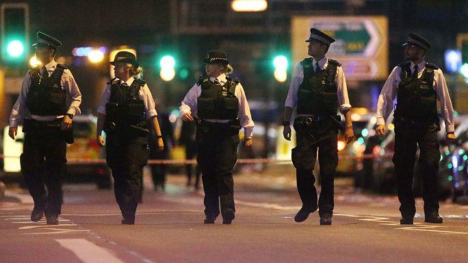 """هكذا أجابت وزيرة الداخلية البريطانية عن استخدام كلمة """"إرهاب"""" في حادث دهس المصلين"""