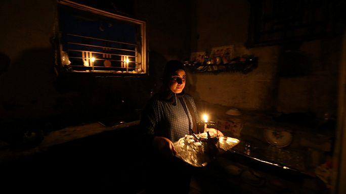 اسرائيل تخفض التزويد بالكهرباء عن قطاع غزة