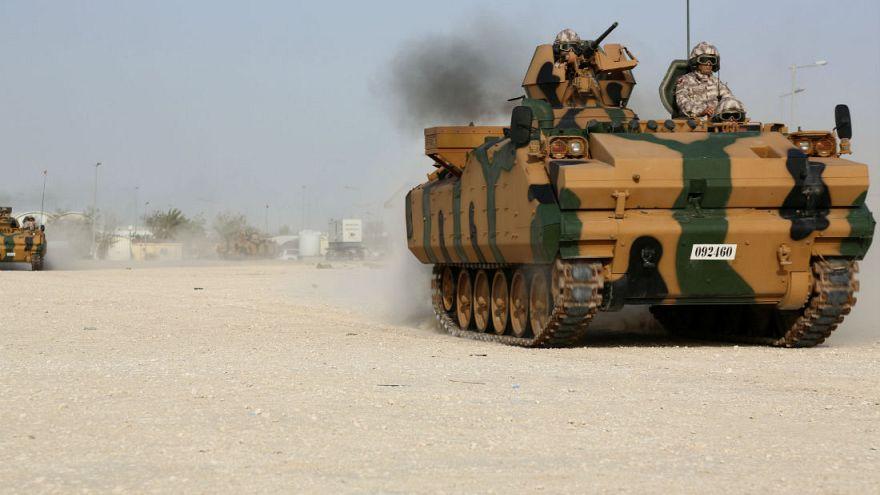 Türk askerleri Katar'da tatbikat yaptı