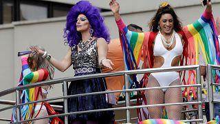 Brezilya'da LGBT üyeleri 'laiklik' talebiyle yürüdü