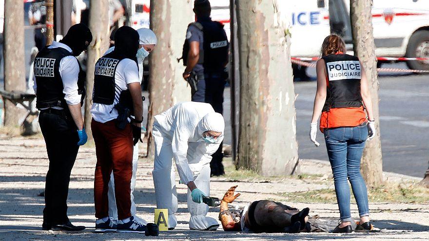 França: Suspeito de tentativa de atentado em Paris tinha licença de porte de arma
