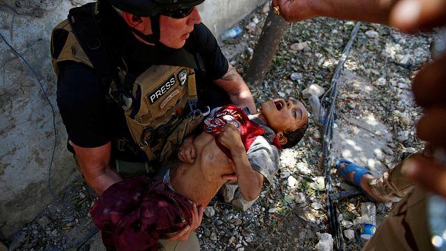 المياه تعيد الحياة لطفل هارب من الموصل
