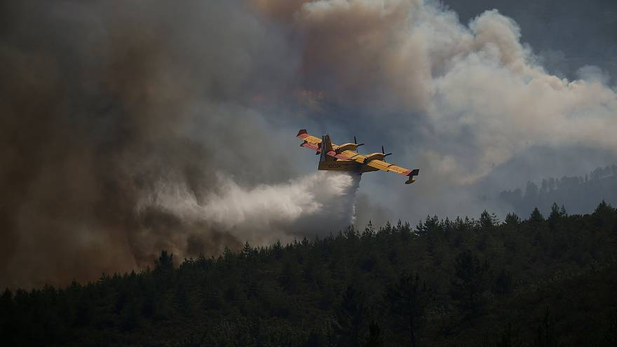 Les pompiers portugais à bout de force