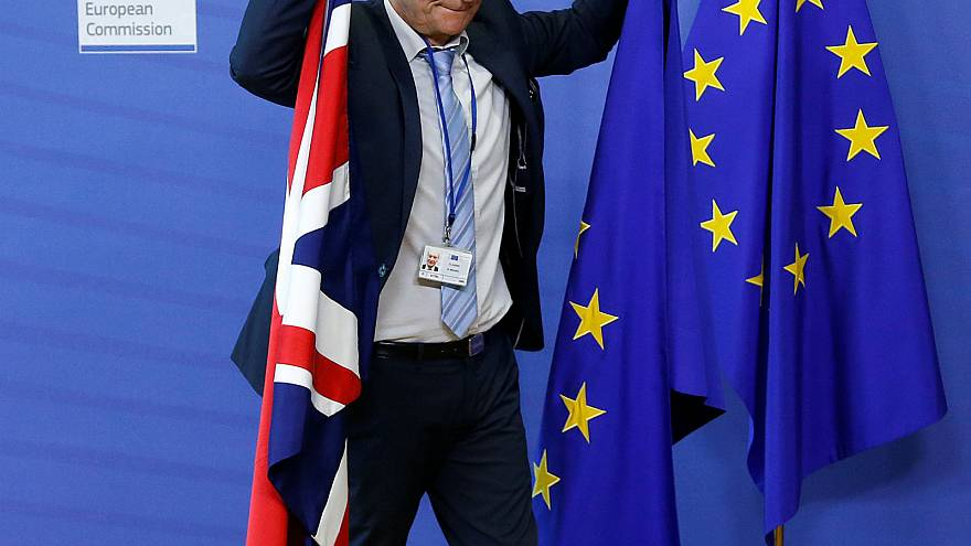EU's Barnier seeks Irish border solution