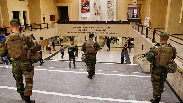 """Belgian police """"neutralise"""" a person wearing an explosive belt at Brussels train station"""