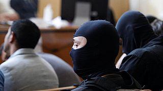 Bíróság előtt a halált okozó embercsempészek