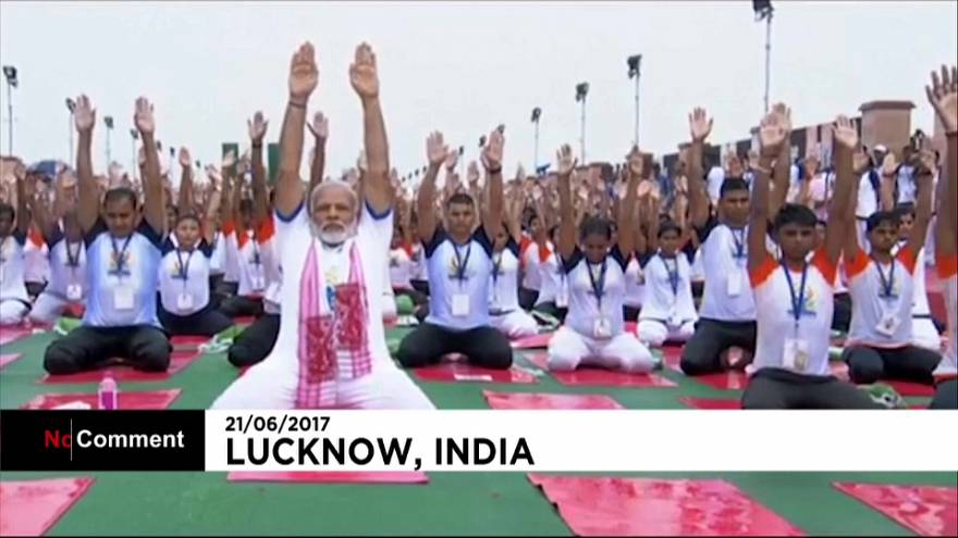 Indian leader joins massive yoga display