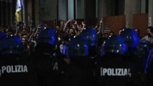 Torino, la ''guerriglia della movida'', diversi feriti e arresti