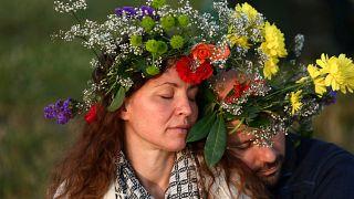 Stonehenge: Sonnenanbeter begrüßen längsten Tag des Jahres