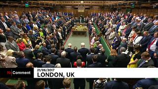 Minute de silence au Parlement britannique