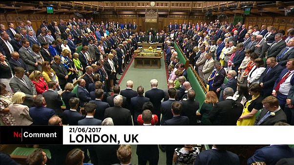 Минута молчания в британском парламенте