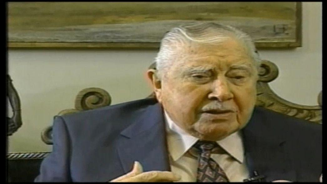 Ordenan devolver el dinero decomisado a la familia de Pinochet