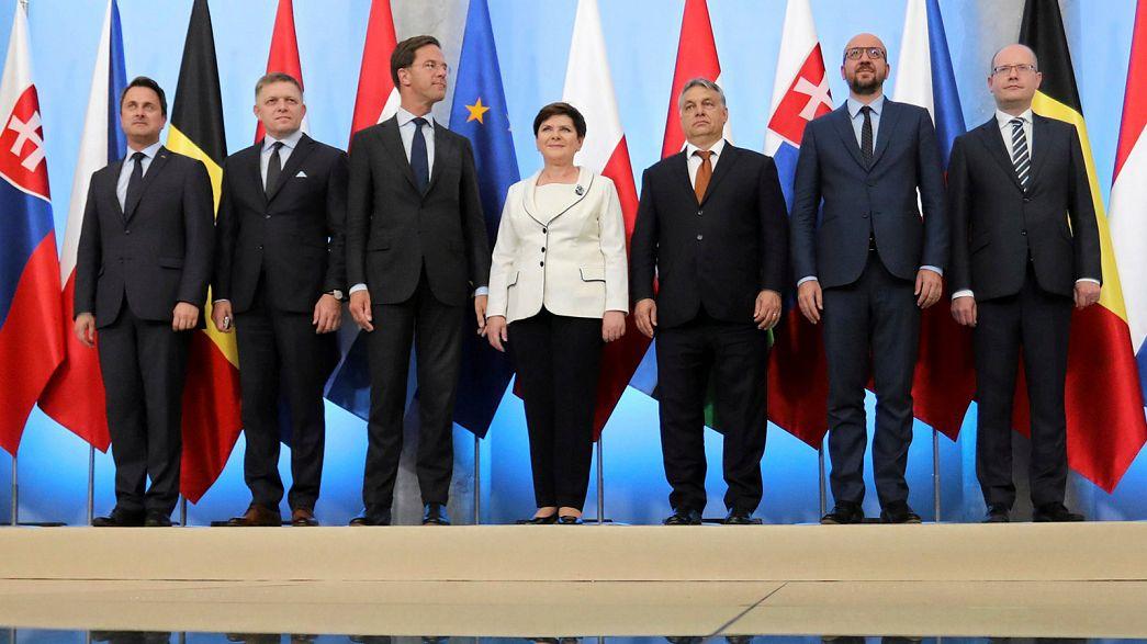 Orbán: a francia elnök belerúgott a közép-európai országokba