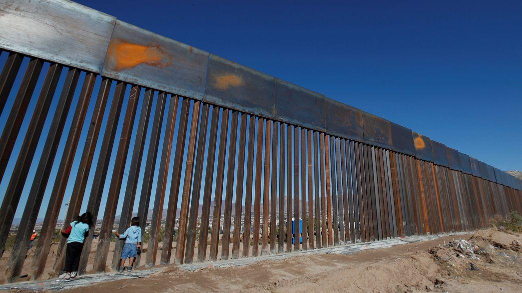 Trump napelemes falat építtetne a mexikói határra