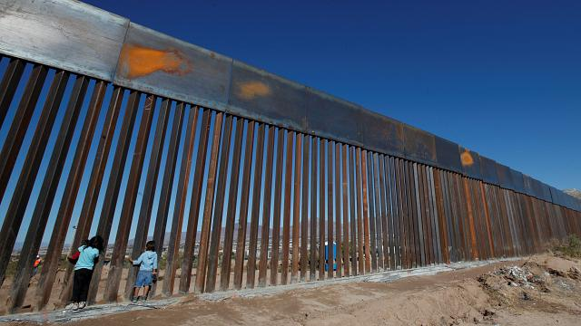 Trumps Grenzmauer als Solarkraftwerk?