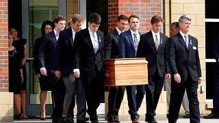 Multitudinario funeral del joven estadounidense que estuvo preso en Corea del Norte