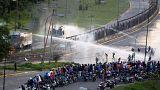 Lelőttek egy tüntetőt Venezuelában