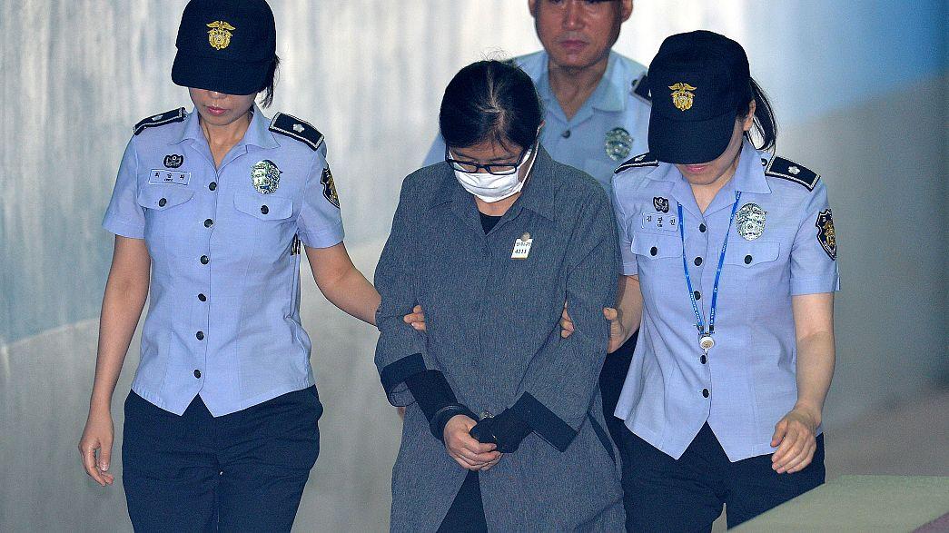 "La ""Raspoutine"" sud-coréenne condamnée"