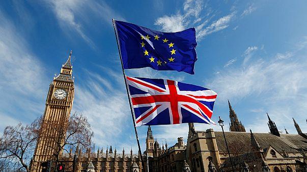 Brexit: maradhatnak az öt évnél régebben Nagy-Britanniában élő EU-s polgárok