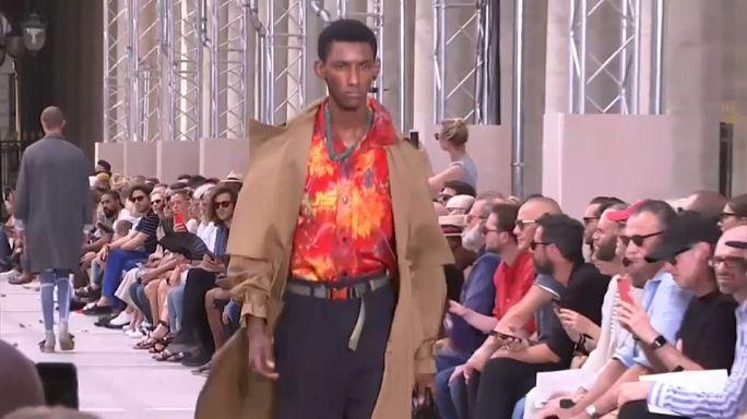 Louis Vuitton Paris'te göz kamaştırdı