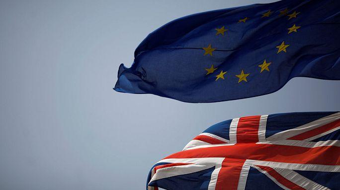 """Макрон блистал на саммите ЕС. Туск мечтает об отмене """"брексита"""""""