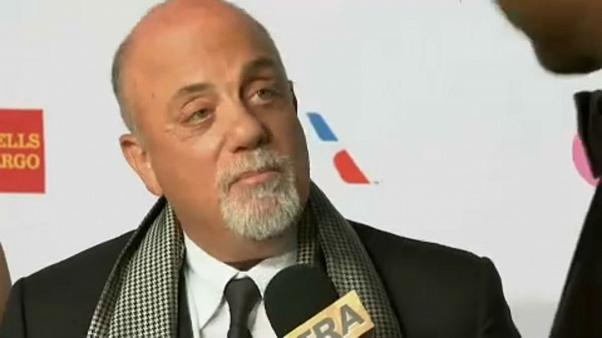 Visszatér középiskolájába Billy Joel
