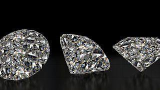 """Quand les """"diamants du sang"""" de Centrafrique sont vendus en toute liberté sur les réseaux sociaux"""