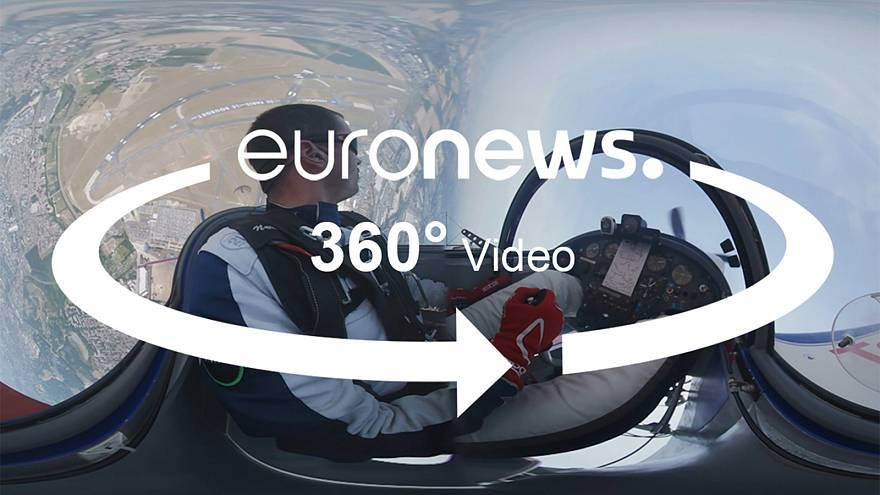 Inside an aerobatic flight: a 360 view from the cockpit