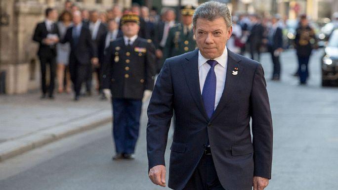 """Kolombiya Devlet Başkanı: """"FARC tamamen silah bıraktı"""""""