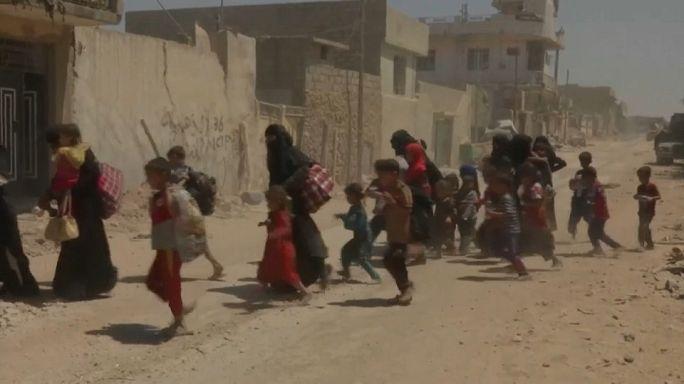 مدنيو الموصل القديمة.. بين همجية داعش وضراوة المعارك