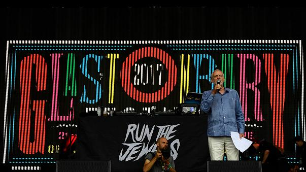 Radiohead e Jeremy Corbyn com mensagens políticas em Glastonbury