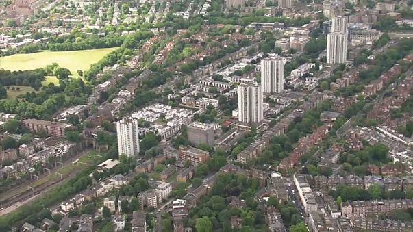 Több ezer embert költöztettek ki Londonban