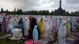العالم الإسلامي يحتفل بحلول عيد الفطر المبارك