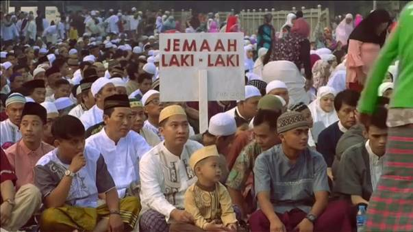 Muslims mark the end of the Ramadan fasting month