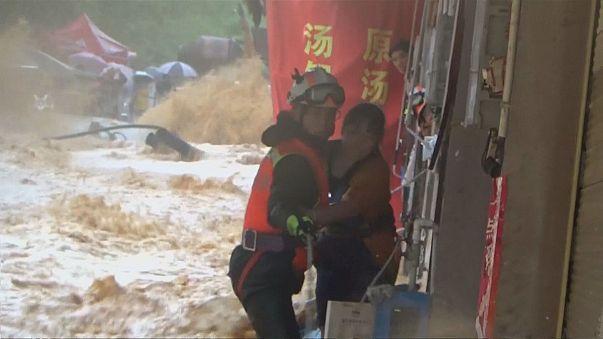 Chuvas torrenciais castigam províncias de Yunnan e Guizhou