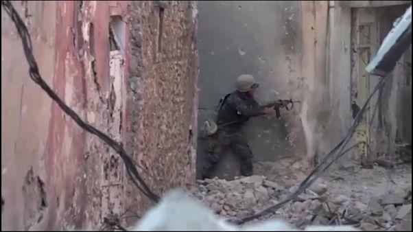 Civilians flee 'final battle for Mosul'