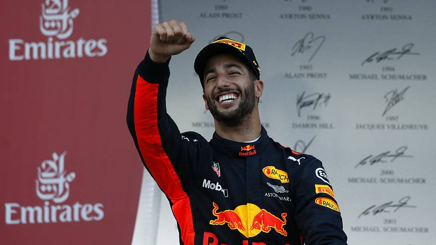 Castigo a Vettel dá vitória a Ricciardo no Azerbaijão