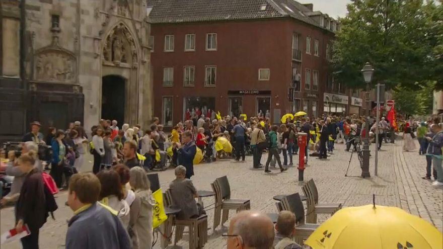 Cadena humana contra dos reactores nucleares belgas