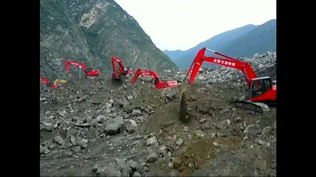 يحكى أن.. قرية بالصين طمرت بسكانها تحت التراب