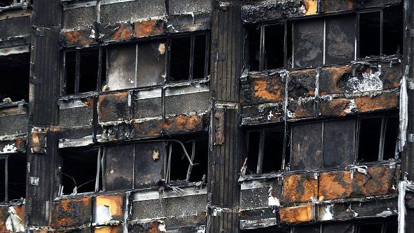Gran Bretagna: 60 palazzi non a norma, come la Grenfell Tower