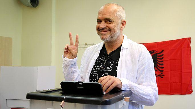 Arnavutluk seçimlerinde zafer sosyalistlerin